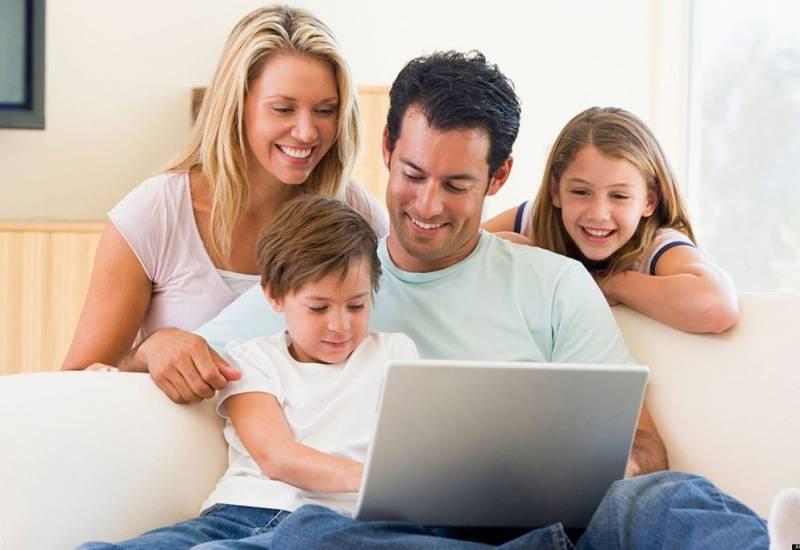"""Indaga """"Le relazioni familiari nell'era delle reti digitali"""" il Nuovo Rapporto del Centro Internazionale Studi Famiglia, che viene presentato a Roma la prossima settimana."""