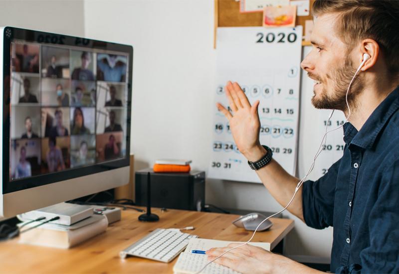 Quanto stancano il nostro cervello le riunioni online?