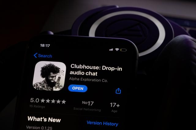 """Clubhouse: la nuova applicazione basata sulla parola """"parlata"""""""