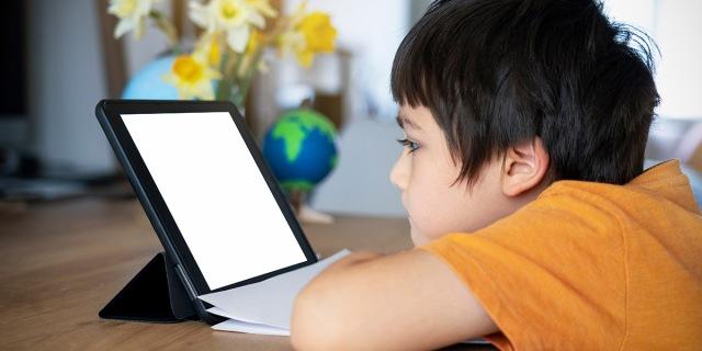 La rivoluzione digitale e il cambiamento di abitudini a scuola e nelle giovani generazioni