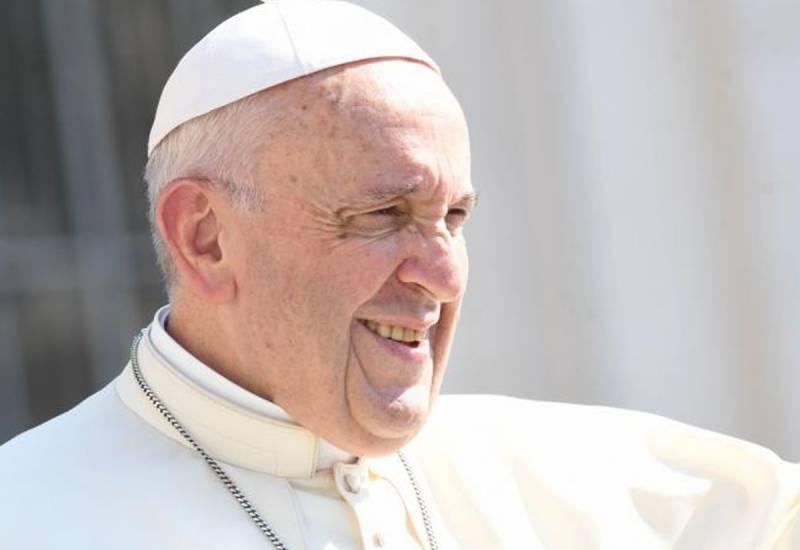 «In quel punto esclamativo c'è l'urgenza di colmare le distanze che ci separano». Il commento al tema del messaggio del Papa